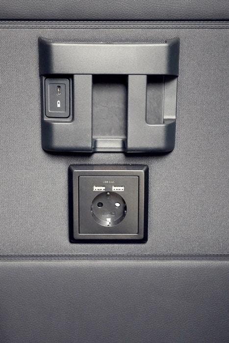 9 Sitzer mieten: Multifunktionslenkrad