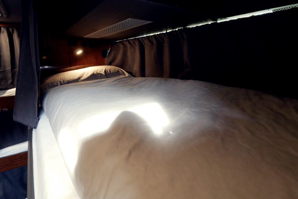 Schwarzer Nightliner - Bett