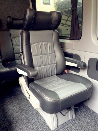 9 Sitzer mieten: Einzelsitz